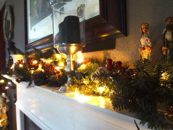 Mantle Decor -- love the lights!