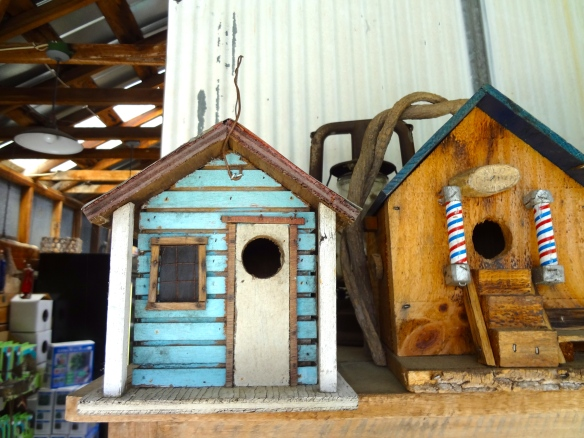 Dearness Gardens Birdhouse Love